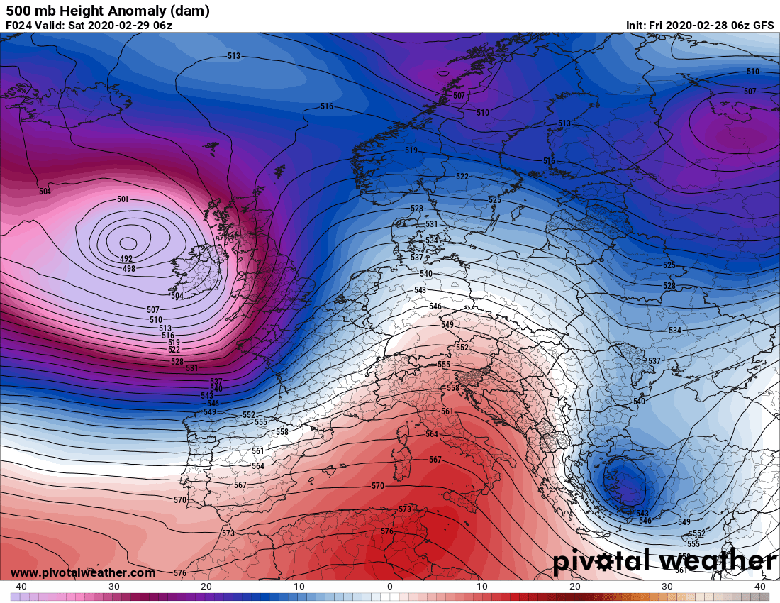 photo: Pivotal Weather; desc: 500hPa Height Anomaly