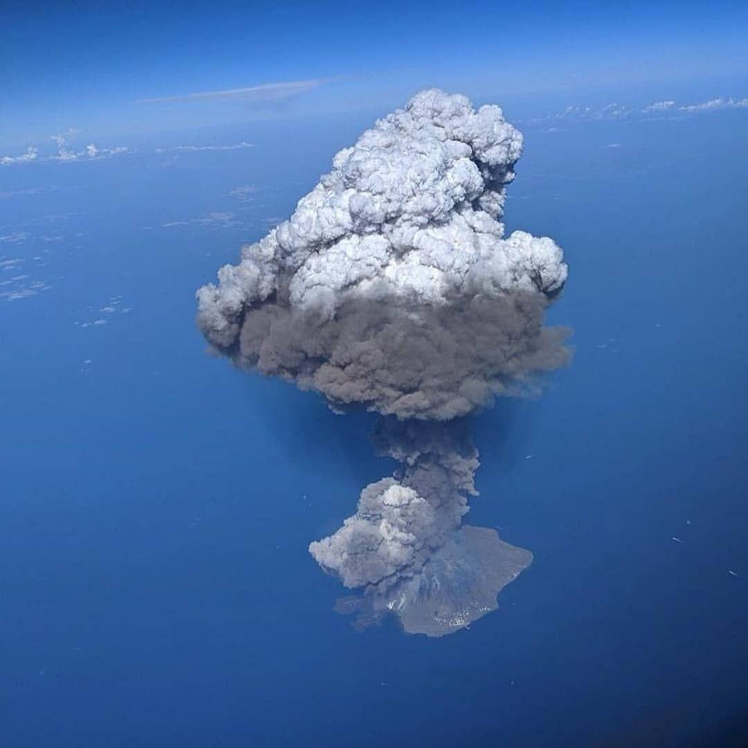 Photo by: Emanuel Raffaele Photography; desc: Immagine repertorio di un'eruzione dello Stromboli; licence: cc