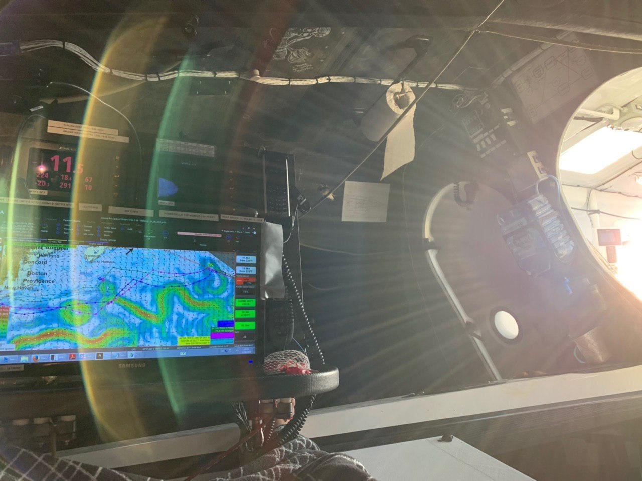 photo:@borisherrmann;desc:Checking the weather