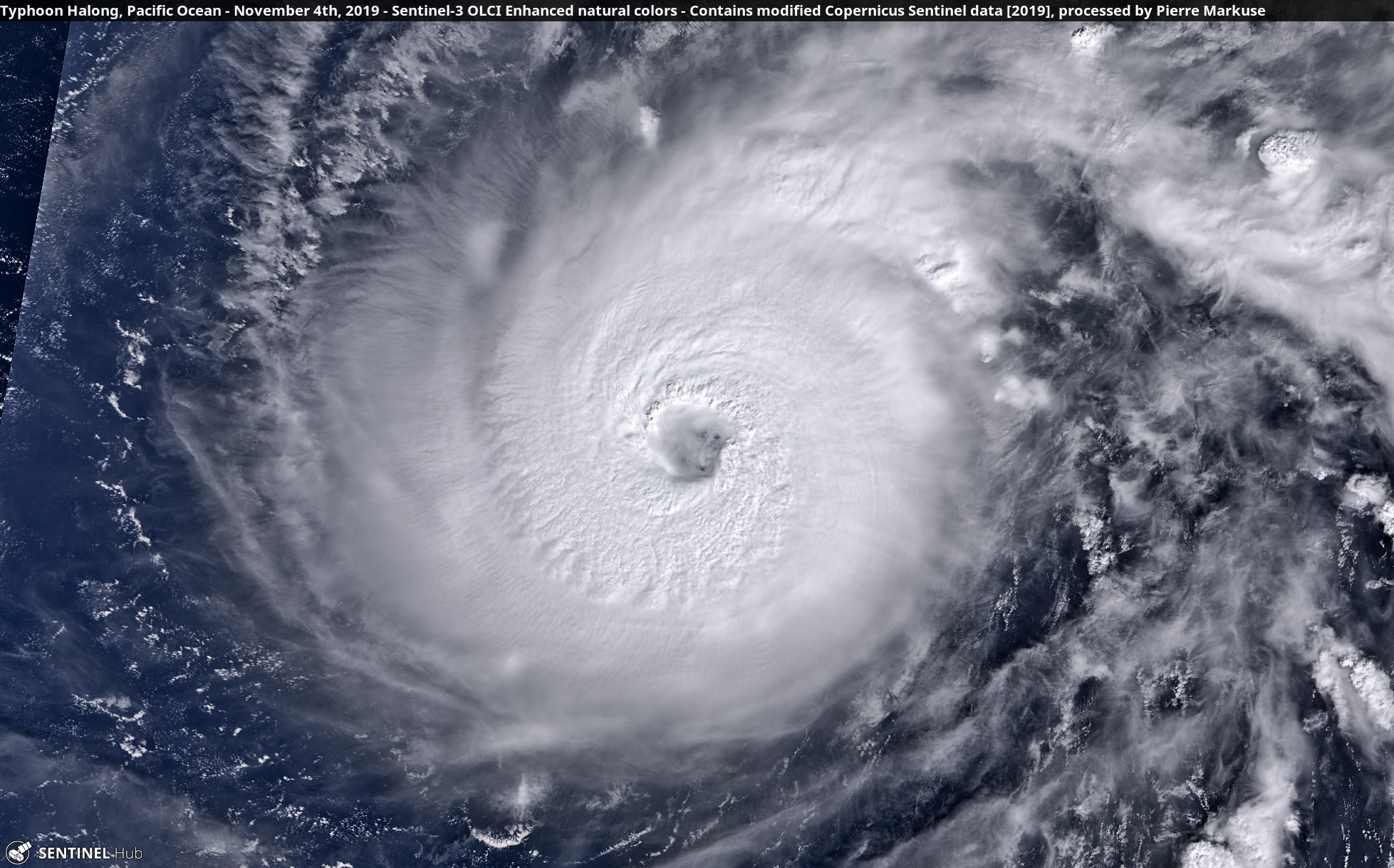 desc:Typhoon Halong, Pacific Ocean - November 4th, 2019 Copernicus/Pierre Markuse