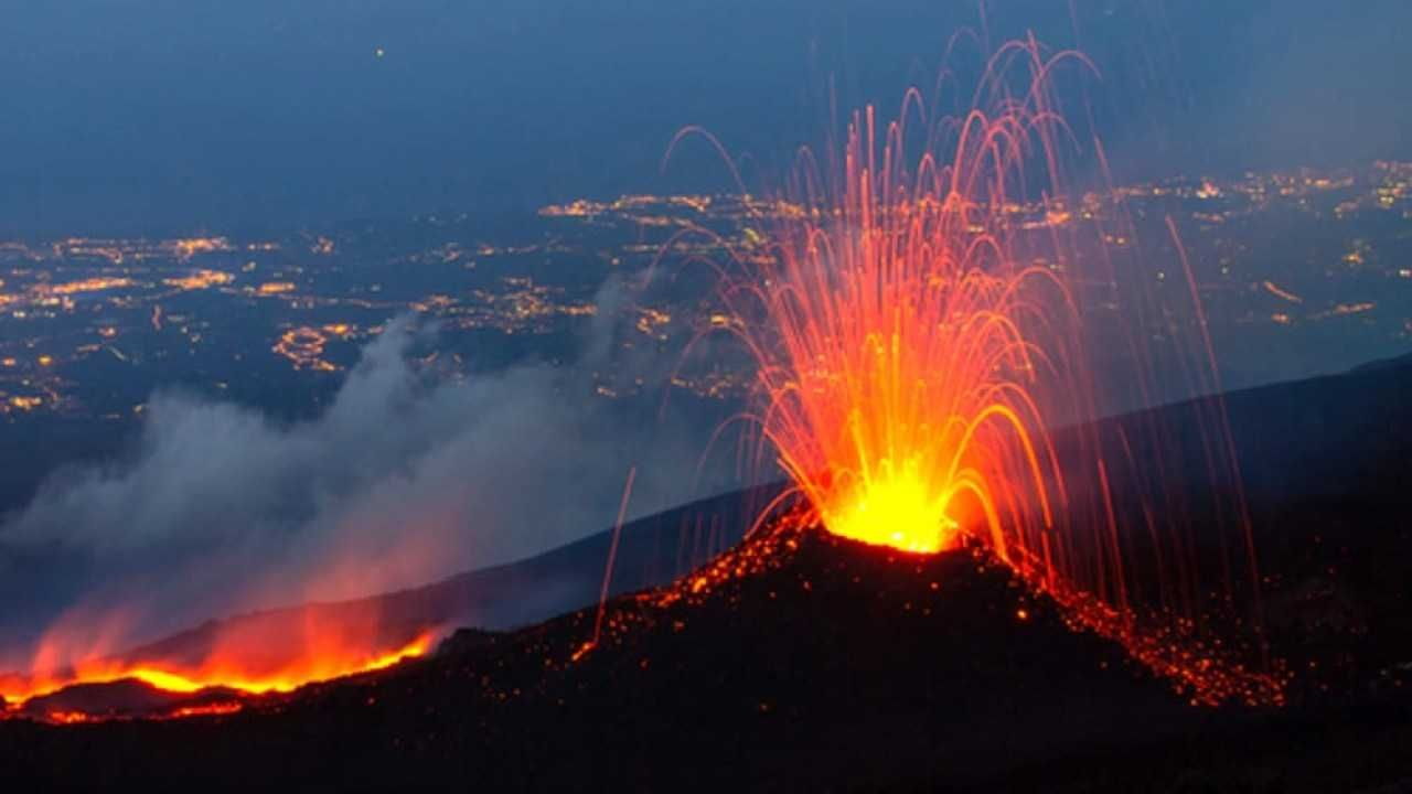 Photo by: InstaNews; desc: Etna in eruzione; licence: cc