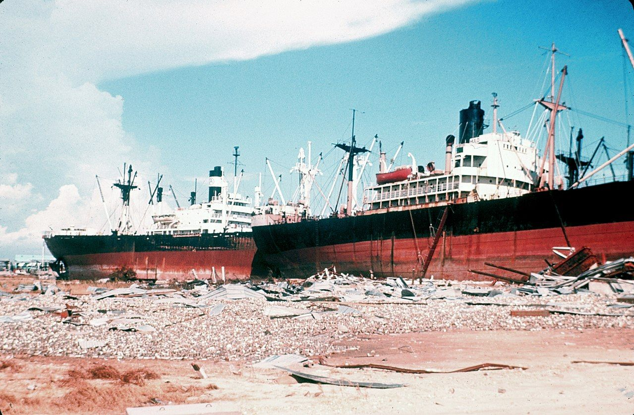desc:Ship-wreck on Gulf Coast after Hurricane Camille;photo:NOAA;