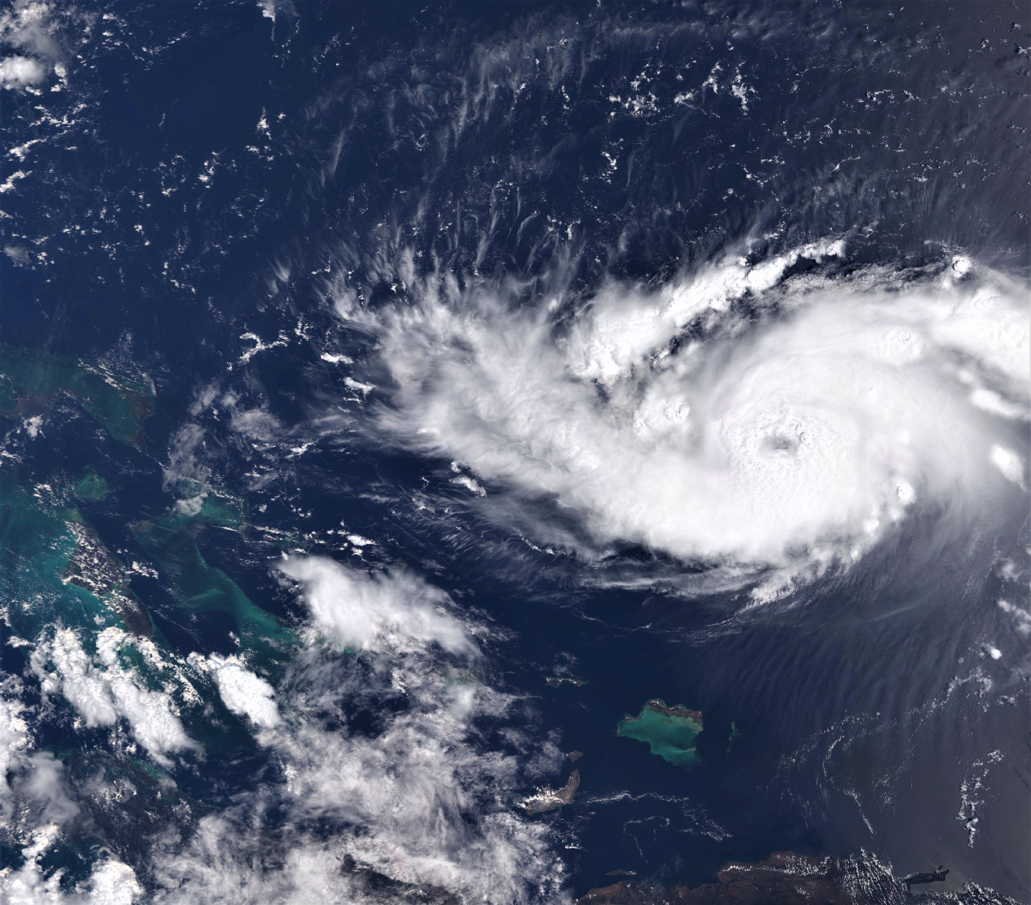 photo:Copernicus EMS;desc:The Eye of Hurricane Dorian,  Sentinel3's OLCI instrument in true colours (wide view) 30 Aug 2019 at 14:53:41 UTC