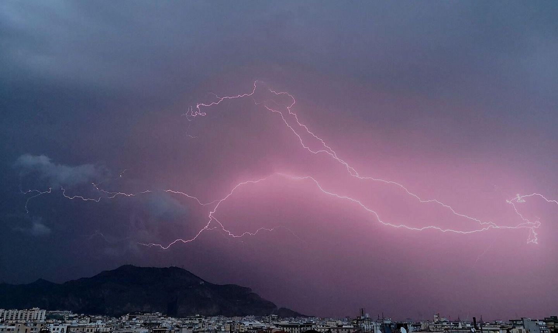 foto: Giuliano Merlo; desc: temporale Palermo; licence cc