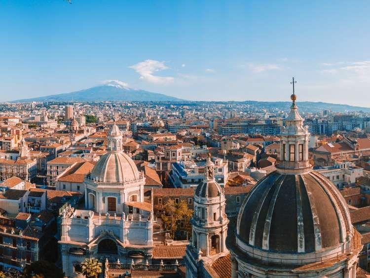 Photo by: Costa Crociere; desc: città di Catania; licence cc