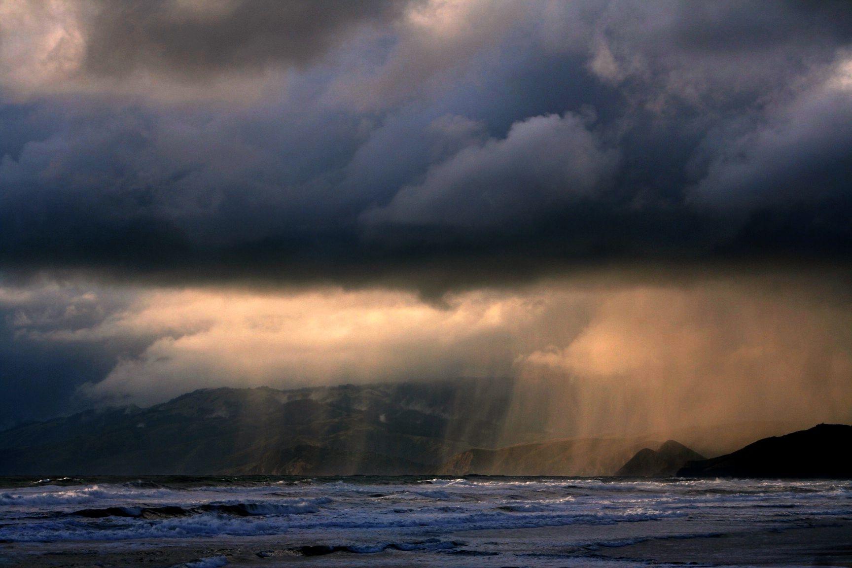 Rain_ot_ocean_beach.jpg