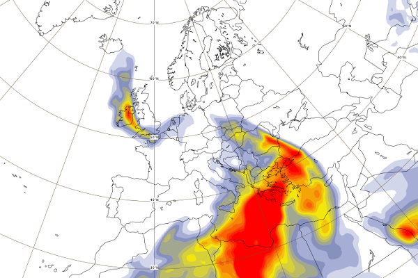 Photo: Copernicus;link: https://atmosphere.copernicus.eu/europe-struck-desert-dust;desc: CAMS forecast of dust in the atmosphere on Wednesday 24 April. A significant amount of dust comes from the Sahara Desert.