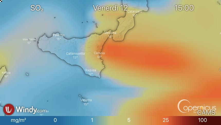 Photo by: windy.com; desc: previsione dello spostamento della nube vulcanica; licence: cc