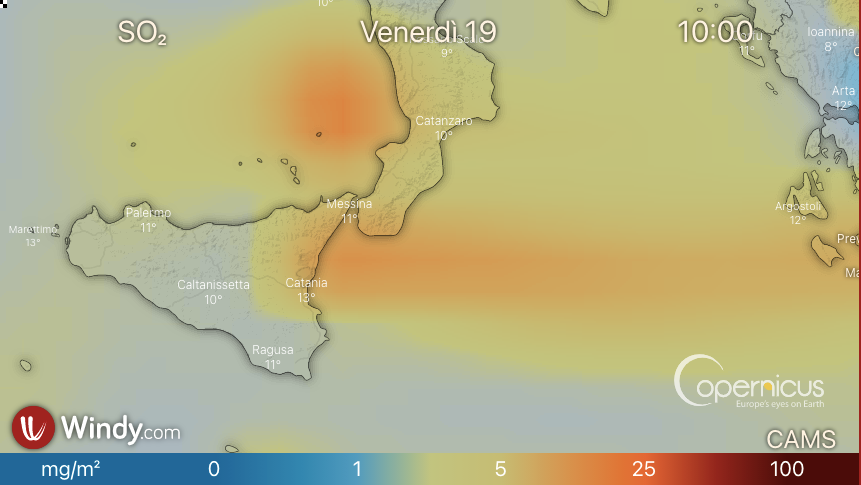 Photo by: windy.com; desc: previsione direzione e spostamento nube vulcanica; licence: cc
