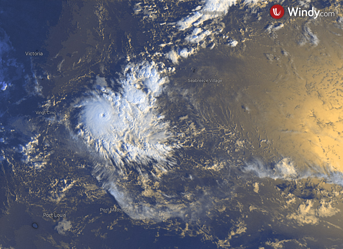 photo:Windy.com;desc:Tropical Cyclone Ambali on 6 December at 2 a.m. UTC;licence:cc