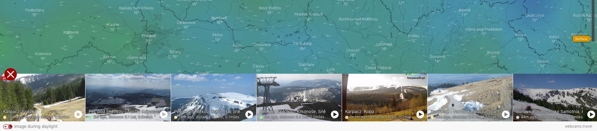 Photo: Windy.com;desc: Po rozkliknutí kulaté ikony webkamery se rozevře seznam všech dostupných.;