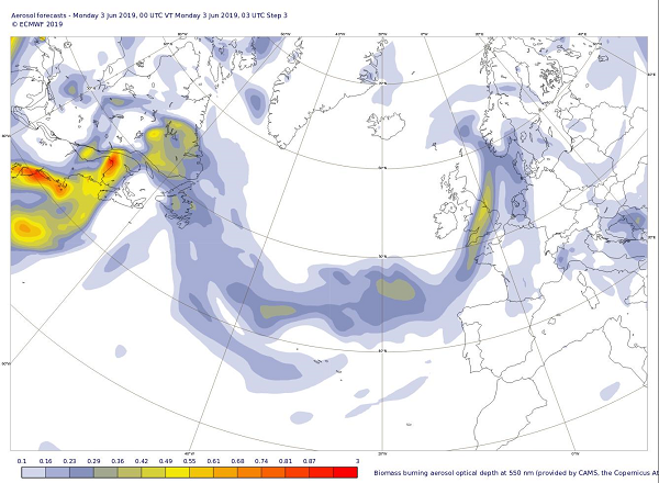photo:Copernicus Atmosphere Monitoring Service/ECMWF;desc:Alberta wildfire smoke